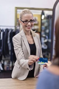 Shoppen mit der Cashback Card  c  Lyoness