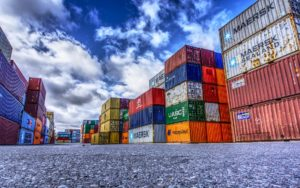 container markus distelrath auf pixabay