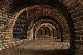 vaulted cellar auf pixabay
